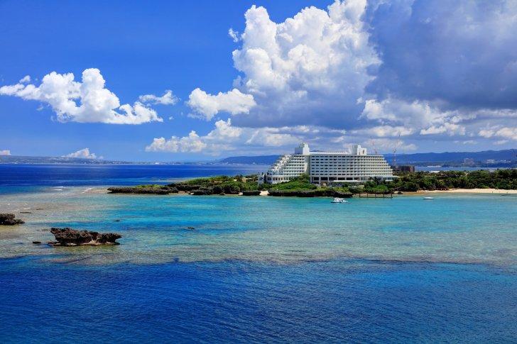 ANA萬座海濱洲際酒店(日本恩納)的位置與交通路線